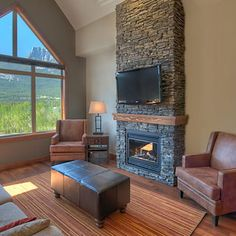 Stoneridge Mountain Resort takes pride in being an all-suite property, with modern accommodations, luxurious amenities, and breathtaking mountain views.