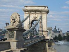 Budapest - Puente de las Cadenas Budapest, Tower Bridge, Brooklyn Bridge, Places Ive Been, Travel, Hungary, Civil Engineering, Suspension Bridge, Roads