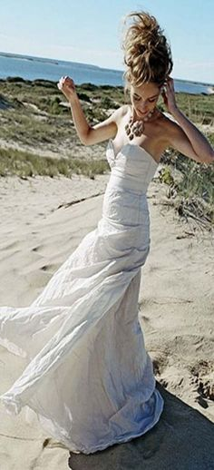 Nicole Miller Strapless A-Line Size 6 Silk Ivory Silk Taffeta Wedding Dress