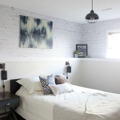 Your Guest Will Enjoy Their Stay In This Lovely Modern Bedroom. Tranquil ...