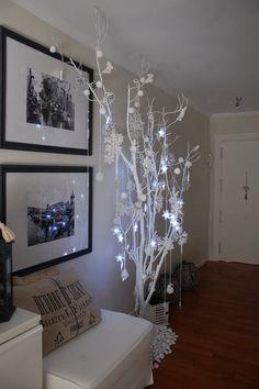 Seguimos con las fotos de decoración navideña en CASAS REALES! Hoy le ha tocado el turno a María y su decoración low cost. Su idea este...