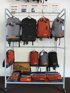 Kletterwerks have a solid design history behind them, with classic outdoor packs to their name that have stood the test of time. This iconic brand was quiet for many years but has enjoyed a resurgence since 2012 under the founder's son. Bag Display, Display Design, Booth Design, Japan Room, Camping Room, Luggage Shop, Edc Bag, Retail Store Design, Design History