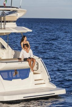 Absolute 56Fly - Luxury yachts and boats made in Italy