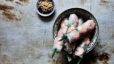 Závitky jsou rozšířené snad ve všech asijských kuchyních a tento fenomén se s velkou slávou přenesl i do našich kuchyní. Fresh Rolls, Meat, Chicken, Ethnic Recipes, Food, Essen, Meals, Yemek, Eten