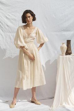 Linen Dresses, Casual Dresses, Summer Dresses, Cream Dresses, Mode Kimono, Image Mode, Diy Kleidung, Dresscode, Outfit Look