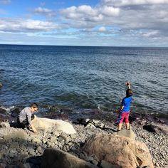 Throwing rocks. #lakesuperior #splitrocklighthouse #lakesuperior #rocks #water #lake #minnesota #minnstagram #minnstagramers #onlyinmn #captureminnesota #swinglesonsuperior by 1girl2boys