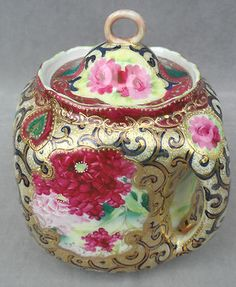 Nippon Moriage Biscuit Cracker Double Handled Lidded Jar Heavy Gold Paint