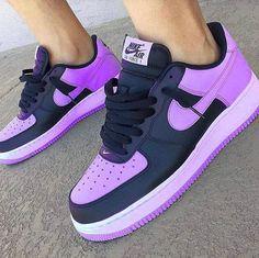 This Easter egg purple is my favorite purple. Cute Sneakers, Shoes Sneakers, Sneakers Nike Jordan, Moda Nike, Basket Style, Nike Shoes Air Force, Air Force Sneakers, Hype Shoes, Fresh Shoes