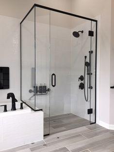 Half Wall Shower, Bathtub Shower Doors, Framed Shower Door, Frameless Glass Shower Doors, Bathroom Design Inspiration, Bathroom Interior Design, Black Tub, Black Shower, Frameless Shower Enclosures