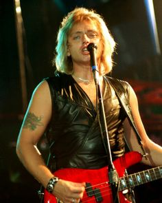 Benjamin Orr (August 9, 1947 - October 3, 2000) American bassist and singer (o.a. The Cars).
