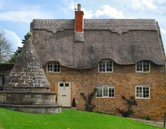 Hallaton,Leicestershire    thatched roof house