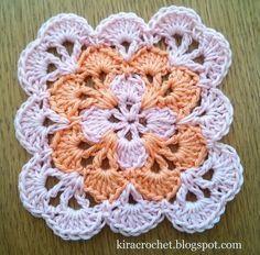 Kira crochet: Small colorful coaster