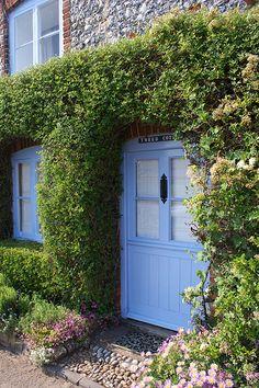 """Tweed Cottage"" http://www.flickr.com/photos/garywilliams/3698829997/"
