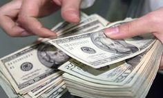 La cotización del billete verde en ventanillas se ha disparado 30 centavos en los primeros tres días hábiles del año y tan sólohoyregistró un repunte de 21 centavos, el más ...