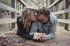 cute fall couple photography kiss nicolehumphrey