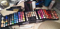 Sephora make up kit :) Makeup Gift Sets, Makeup Kit, Sephora, Makeup Stuff, Free Samples, Eyeshadow, Make Up, Organization, Nails