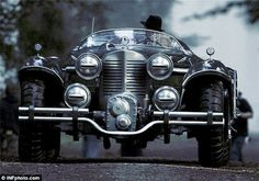 Google Image Result for http://drivingscene.com/wp-content/uploads/2011/12/Steampunk-Car.jpg