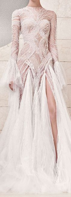 Atelier Versace Fall 2017 Couture I am always so inspired by couture-the time, detail and skill that go into making just one piece. Evening Dresses, Prom Dresses, Wedding Dresses, Versace Wedding Dress, Club Dresses, Beautiful Gowns, Beautiful Outfits, Mode Inspiration, Looks Style
