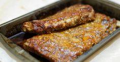 """""""Ty seš ale vážně pěkná kost!"""" řekl by muž...ale i žena...pokud by se bavili o marinovaných vepřových žebírkách. Marinovaná vepřová žebra jsou prostě super. Marinated Pork Ribs, Sausage, Food And Drink, Meat, Cooking, Recipes, Food Ideas, Pork, Kitchen"""