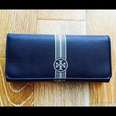 Final Sale!!! Tory Burch Navy Leather Wallet Navy Tory Burch Wallet, excellent condition. Used once. Tory Burch Bags Wallets