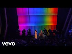 """Music video of Kacey Musgraves with Willie Nelson performing """"Rainbow Connection"""" live from the CMA Awards Relive the magic from Country Music's Bigges. Music Tv, Pop Music, Cma Awards 2019, Kacey Musgraves, Rainbow Connection, Big Night, Country Music Stars, Willie Nelson, Sing To Me"""