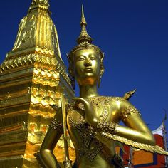 Wat Phra Kew, in Bangkok. I always imagined this image as a cover photo for a travel guide.