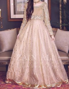 Pakistani Party Wear Dresses, Beautiful Pakistani Dresses, Shadi Dresses, Pakistani Wedding Outfits, Designer Party Wear Dresses, Pakistani Bridal Dresses, Pakistani Dress Design, Nikkah Dress, Pakistani Clothing
