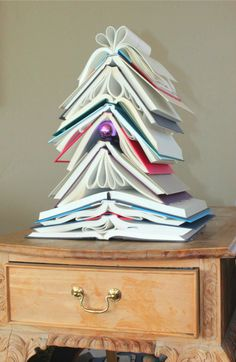 book christmas tree how cuteand easy cool christmas trees - Library Christmas Decorations