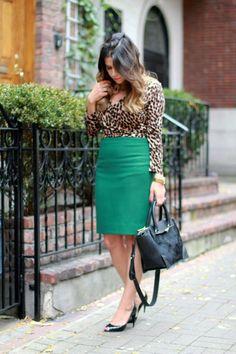 90/'s Jones Wear Olive Pencil Skirt