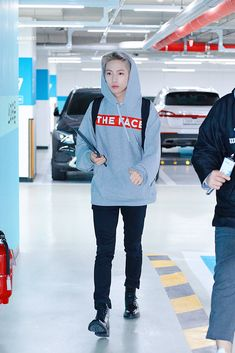 Park Ji Sung, Kim Jung, Huang Renjun, Jisung Nct, Airport Style, Winwin, Beautiful Asian Girls, Belle Photo, Taeyong