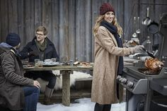 wintergrillen weber - Google-Suche Coat, Jackets, Google, Fashion, Grill Party, Search, Down Jackets, Sewing Coat, Moda