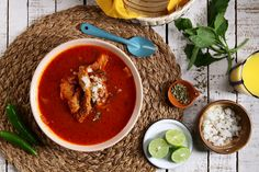 Este menudo o pancita en caldo es una receta mexicana deliciosa en épocas de frío