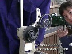 como hacer una rizadora para figuras de herreria - YouTube Metal Bending Tools, Metal Working Tools, Metal Tools, Work Tools, Wrought Iron Driveway Gates, Metal Gates, Metal Projects, Welding Projects, Homemade Tools