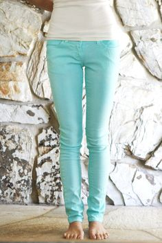 Welcome to the gOOd life: DIY  I need a pair of decent priced mint jeans. Love her site just need to learn to sew. Sigh