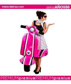 Disfraz de los Años 50 sobre Ruedas para Mujer.  ¡Nos vamos de paseo en moto!  Con este disfraz recorrerás en moto las más divertidas Fiestas de los Años 50 sobre las Ruedas de tu propia moto.   #disfraz #disfraces #disfracesoriginales #disfracesdivertidos #disfracescachondos #disfracesgraciosos #disfrazmujer #disfrazsobremoto #años50  #carnaval #premium #disfracespremium #premiumoriginales #misterdisfraz