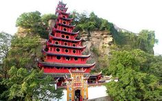 Precious Stone Fortress by the Yangtze River (1) -- Shibaozhi Pagoda (石宝寨塔) or Pagoda of Precious Stone Fortress, built against a 200m high rocky hill facing the Yangtze River in Chongqing, is one of the largest wooden pagoda in China.