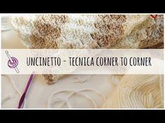 La tecnica corner to corner permette una lavorazione veloce e molto versatile, si possono realizzare disegni e parole all'interno del lavoro ed è per questo che è adattissimo per fare copertine all'uncinetto. Segui il mio schema per uncinetto e il relativo video per imparare questa tecnica