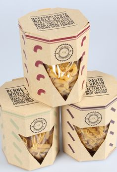 25 creative examples of pasta packaging Inspire We Trust You are in the right place about biscuits decorated Here we offer you the most beautiful p Popcorn Packaging, Packaging Snack, Organic Packaging, Bottle Packaging, Packaging Ideas, Food Branding, Food Packaging Design, Brand Packaging, Packaging Biscuits
