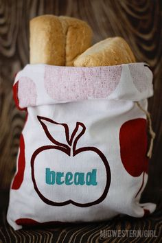 Midwestern Sewing Girl: inspired by martha...drawstring bread bag TUTORIAL - will go great with the new french bread i pinned