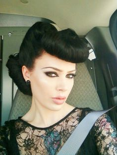 Vintage beauty // Pin-up hair! gotta figure out how to do this!!! by vladtodd