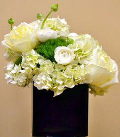 Hydrangea, Green Tricks, Ranunculus, Polo Roses