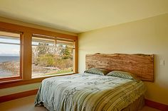 Modern country decor bedroom country home decor with contemporary flair modern country style bedroom decor Modern Country Bedrooms, Modern Rustic Homes, Modern Bedroom Design, Bedroom Designs, Bedroom Country, Contemporary Decor, Country Decor, Country Style, Designer