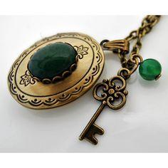 GİZEMLİ Ceyt Madalyon Kolye http://ladymirage.com.tr/kolyeler.html/gizemli-ceyt-madalyon-kolye-58696371.html?limit=100 #anahtar #kapaklı #madalyon #bronz #vintage #takı #elyapımı #kolye #tasarım