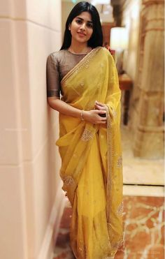 Megha Akash HD Photos & Wallpapers (1080p) (60911) #meghaakash #actor #kollywood #tollywood Dress Indian Style, Indian Fashion Dresses, Indian Outfits, Indian Blouse, Indian Clothes, Silk Saree Blouse Designs, Fancy Blouse Designs, Blouse Patterns, Indische Sarees