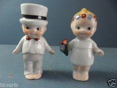 Old Googly Pair Salt Pepper Shakers 1920 German Porcelain Googlie