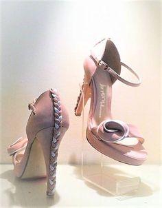 8c7071c3d36 Οι 101 καλύτερες εικόνες του πίνακα Νυφικά Παπούτσια Wedding Shoes ...