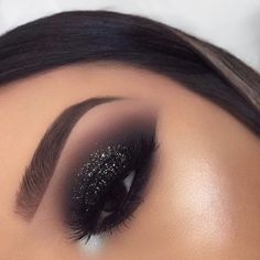 50 Hottest Smoke Eye Makeup Tutorials Ideas - Make up - Smoke Eye Makeup, Makeup Eye Looks, Beautiful Eye Makeup, Cute Makeup, Eyeshadow Makeup, Eyeliner, Beauty Makeup, Black Smokey Eye Makeup, Makeup Brushes