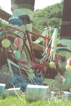 Vintage bicycle wedding decor
