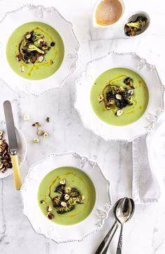 creamy broccoli soup - my lovely little lunch box - Miam Miam - Creamy Broccoli Soup Recipe, Broccoli Soup Recipes, Quiche Recipes, Pumpkin Mac And Cheese, Pumpkin Soup, Sauteed Vegetables, Frozen Vegetables, Creamed Potatoes, Little Lunch