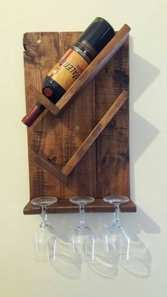 Diy Wine Rack Designs With The Unique And Trendy Styles - Diyever Unique Wine Racks, Rustic Wine Racks, Diy Wooden Projects, Wooden Diy, Wine Rack Inspiration, Wine Rack Design, Palette Deco, Pallet Wine, Wine Rack Wall